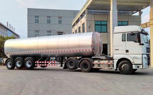 汕德卡三轴34吨鲜牛奶运输罐车