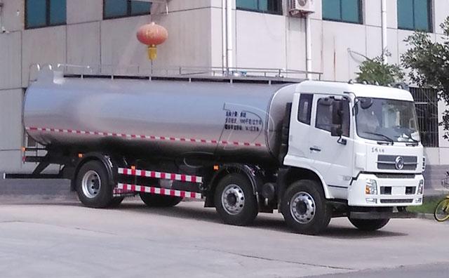 供不應求!山東再走東風16噸奶罐運輸車一輛