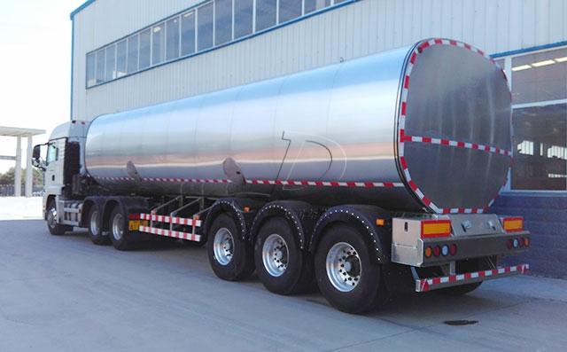 重汽36吨半挂液态食品运输车