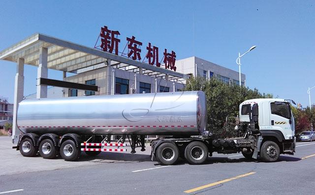 重庆某物流公司38吨鲜奶运输罐车今日发货