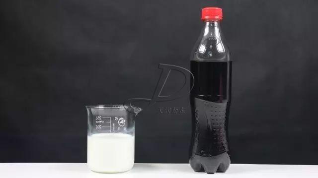 牛奶加可乐喝了会怎样