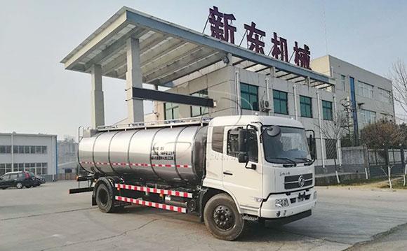 东风两轴10立方牛奶运输专用车
