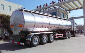 天润新东35吨半挂液态奶生牛乳运输