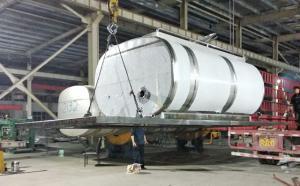 鄭州客戶訂購的6噸純凈水保溫運輸罐發貨