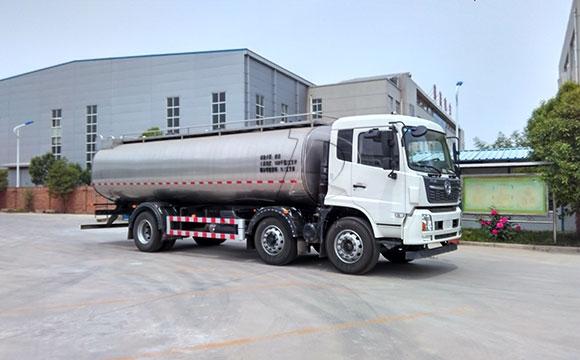 天润新东牌16立方牛奶运输罐车发往洛阳