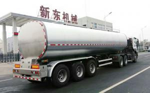 新东机械34立方半挂牛奶液罐车发往