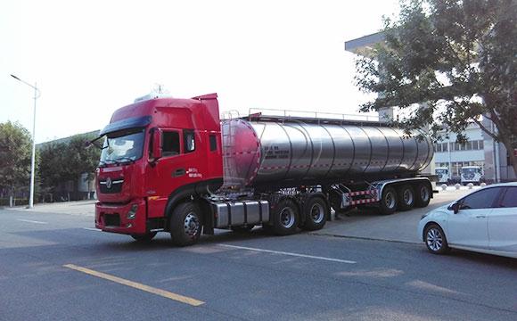 河北30吨<a href=/ target=_blank class=infotextkey>奶罐车</a>今日交付客户