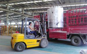 湖北2吨分体立式黄酒制冷罐装车发货现场