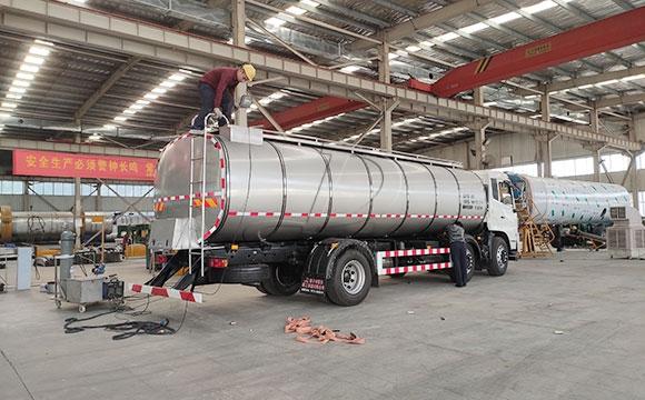 车罐一体鲜奶运输专用车