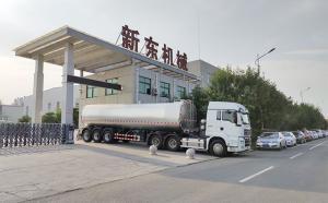 天润新东38吨大型半挂奶罐车发往重