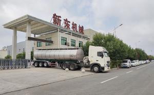 宁夏首台天润新东牌半挂奶罐车顺利交付客户
