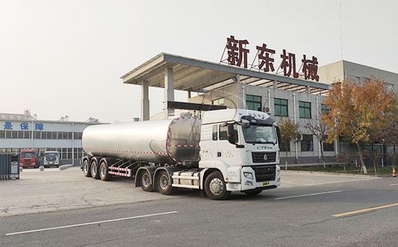 物流拉奶专用40吨鲜牛奶罐装车发往四川