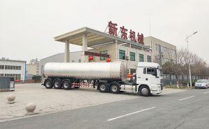 我公司天润新东牌大型装奶运输罐车