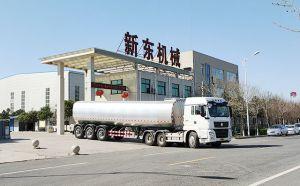 我公司36吨大型牛奶保温液罐车发往江苏徐州