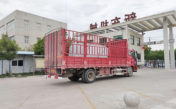 6吨不锈钢保温运输罐
