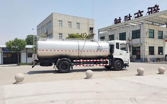 10吨运输牛奶车