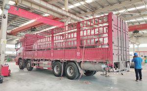 甘肃两台6吨不锈钢制冷储奶罐装车发货现场