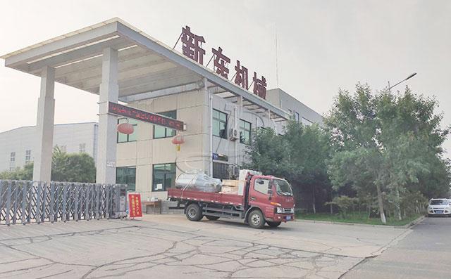 山东济宁1吨不锈钢鸭血直冷式储罐发货现场