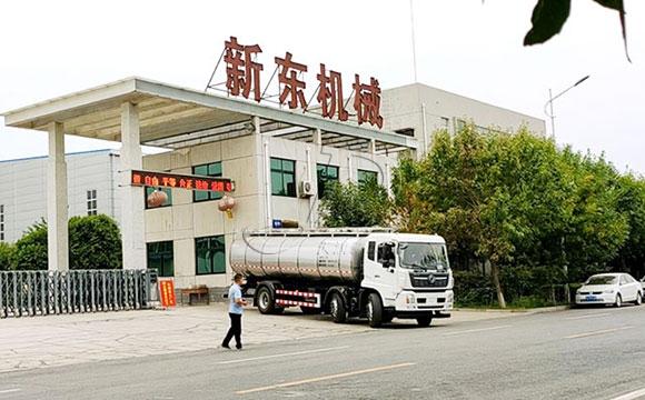 一体式拉奶运输车