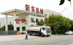 我公司東風三軸16噸連體奶罐車交付