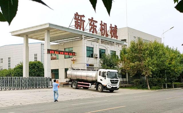 新疆10吨牛奶一体罐运输车提供送车服务