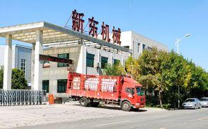 河南長葛10噸不銹鋼臥式牛奶制冷罐發貨現場