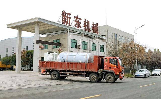 我公司10噸不銹鋼臥式儲奶罐發往河南湯陰