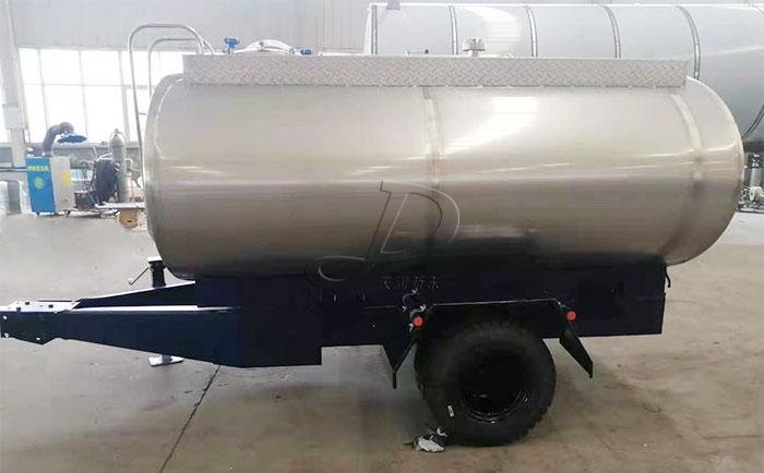 拖拉機牽引式鮮奶運輸罐