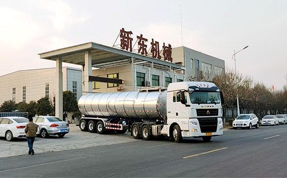 半挂奶罐运输车