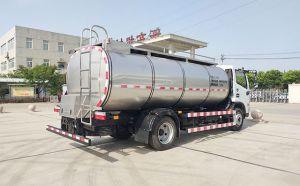 天潤新東7噸小型不銹鋼奶槽罐車發