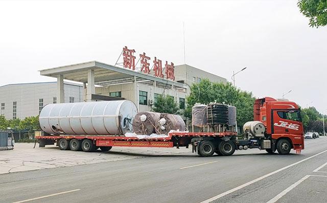 我公司3臺45噸大型室外儲奶罐發往甘肅牧場