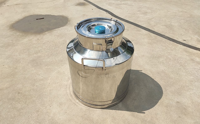 不锈钢保温运输奶桶